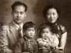 Parents, older sister, and Willy, 父母, 姐姐乃力和維力